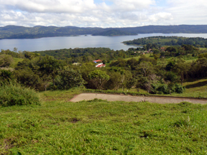 On the opposite side of the lake are the village of Aguacate and Sant Elena Island.